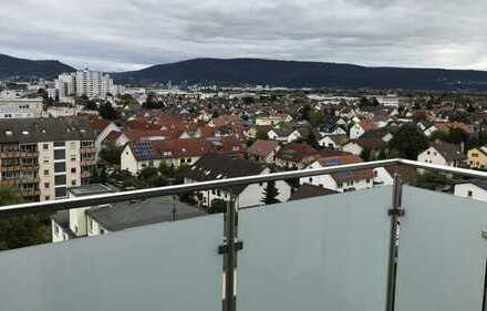 Über den Dächern von Eppelheim mit Blick auf das Heidelberger Schloss