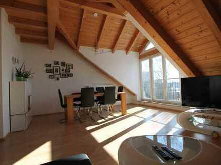 Stilvolle, neuwertige 3-Zimmer-Sichtdachstuhl-Wohnung in Markt Schwaben