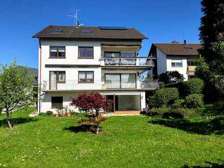 Schöne 3,5-Zimmer-Hochparterre-Wohnung mit großem Balkon und EBK in Karlsruhe Grünwettersbach