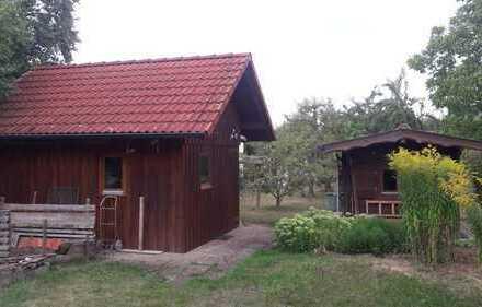 Baugrundstück mit Scheune und Gartenhaus