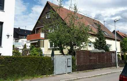 DHH mit 4 Wohnungen + Garage in Magstadt, Nähe S-Bahn, ruhige Lage,