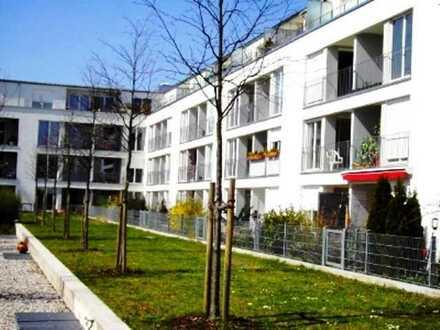Gepflegte Terrassenwohnung mit zwei Zimmern und EBK in Haar