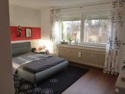 Schöne/Moderne 4 Zimmer Wohnung mit großen Balkon und Garten