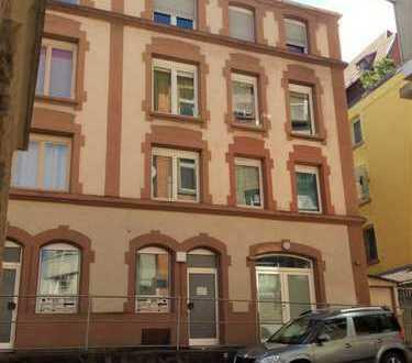 Helle 2-Zimmer-Altbau-Wohnung in sehr günstiger Lage in Stuttgart-Süd von privat zu verkaufen