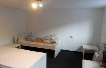 Renovierte 3-Zimmer-UG-Wohnung am Waldrand vom Schöntal (Neustadt)