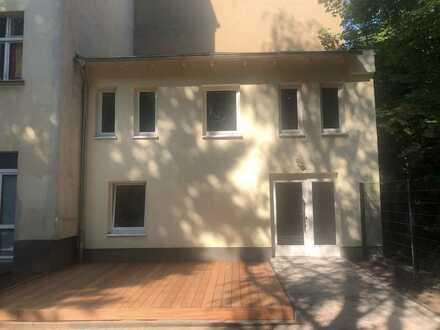 NEUBAU!!! Charmente Remise mit Terrasse im Komponistenviertel!!!