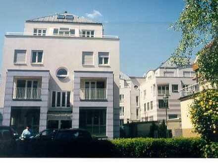 Wunderschöne, möblierte 3-Zimmer Penthouse-Maisonette-Wohnung in zentraler Lage in Baden-Baden/Oos