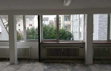 Räume als Büro mit Lager oder als Atelier zu vermieten