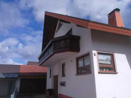 Gepflegte 3-Raum-DG-Wohnung mit Balkon in Herbolzheim