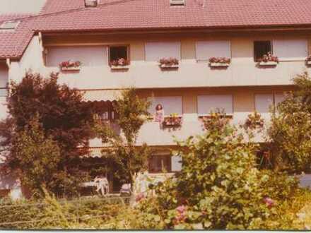 Schöne 5-Zimmer-Wohnung mit Balkon und Einbauküche in Nagold