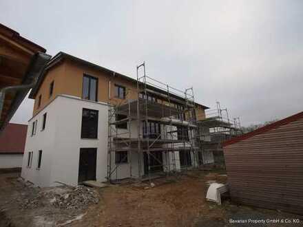 Hochwertige 4-Zimmer Neubau-Wohnung mit Balkon in Ascha