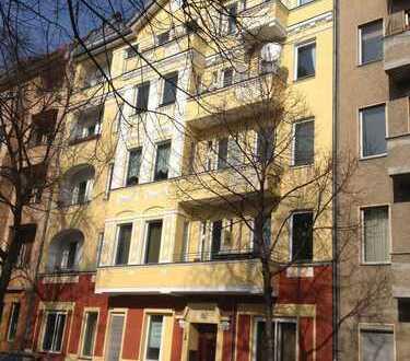 helle, sanierte 3-Zi Altbauwohnung mit Balkon