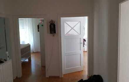 Lichtdurchflutete drei Zimmer Wohnung in bester Wohnlage in Baden-Baden