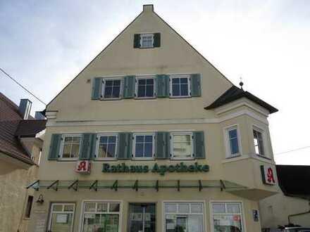 Helle, renovierte Arztpraxis, nutzbar auch als Büro-/Kanzleiräume in der Ortsmitte von Jettingen