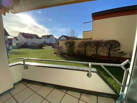 Vollständig renovierte 2-Zimmer-Hochparterre-Wohnung mit Balkon und Einbauküche in Bad-Dürrheim