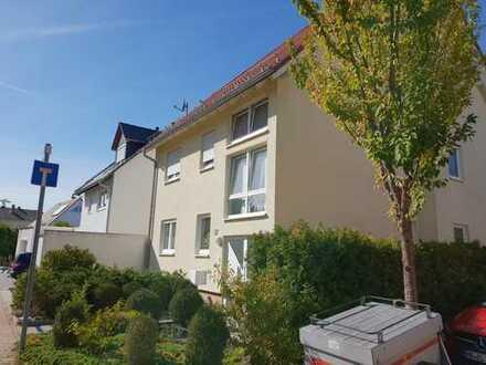 Helle 3,5-Zimmer-Wohnung mit Balkon und Garage in 3-Parteienhaus in Schifferstadt