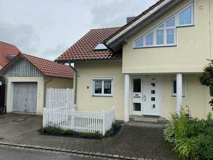 Charmante 6-Zimmer-Doppelhaushälfte zur Miete in Blitzenreute