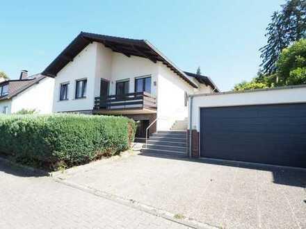 Erstbezug nach Sanierung - Lichtdurchflutetes Wohnhaus mit schöner Terrasse und Garten!