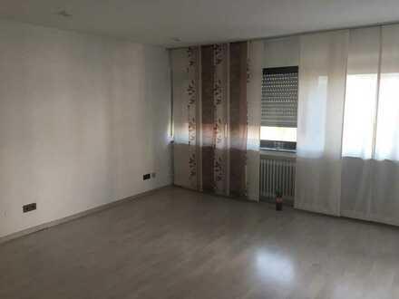 Gepflegte 2-Raum-Wohnung mit Balkon und Einbauküche in Mutterstadt