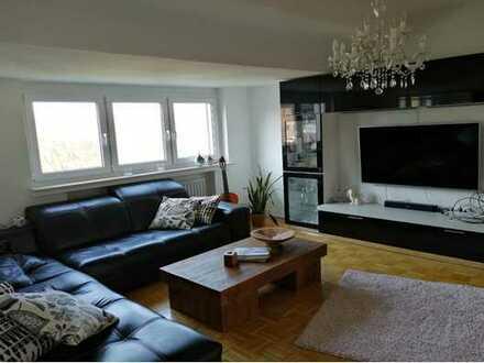 Schöne vier Zimmer Wohnung in Essen, Stadtwald