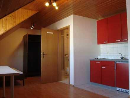1-Zimmer-DG- Komfort Wohnung für Studenten/Wochenendheimfahrer in Baindt