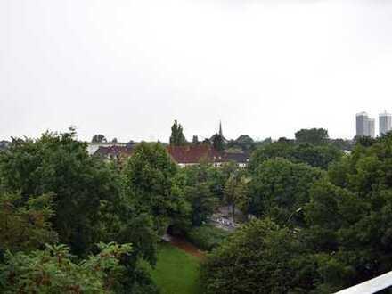 Blick über Hamburg, 2 Balkone, zwei Zimmer Whg in Hamburg Eilbek