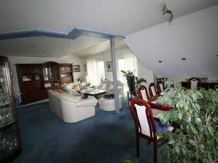 Gepflegte 4-Zimmer-Dachgeschosswohnung mit Balkon im Hunsrück B50 Autobahn nah