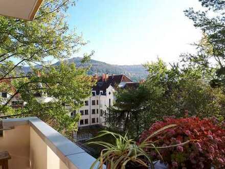 Helle renovierte 3-Zimmer-Wohnung mit Balkon mit Aussicht und Einbauküche in Heidelberg