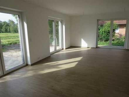 Freistehendes Erdwärmehaus KfW-40 Neubau: Modernste Ausstattung, exklusive EBK und großes Grundstück