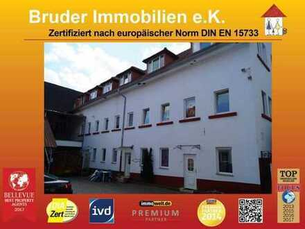 Lambrecht bei Neustadt: 2 ZKB, eig. Eingang, frei,