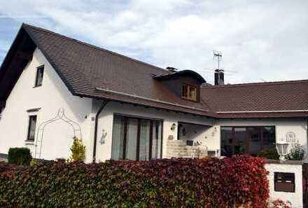 Charmantes Einfamilienhaus mit Wohlfühlgarantie in Mickhausen