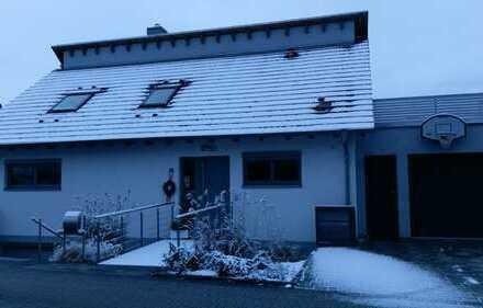 """Großzügige Wohnung """"Haus im Haus"""" mit 2 Terrassen, Sauna, Garage am Naturschutzgebiet Obergrombach"""
