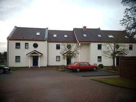 HÜFFERT WARBURG Sanierte 2-Zimmer-Wohnung mit Balkon und Einbauküche in Warburg