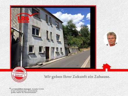 Zwei Doppelhaushälften zu einem Preis!!!