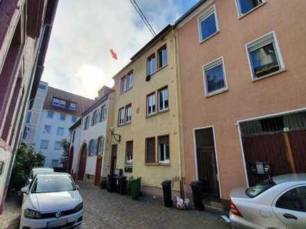 Mehrfamilienhaus in Innenstadtlage von Landau