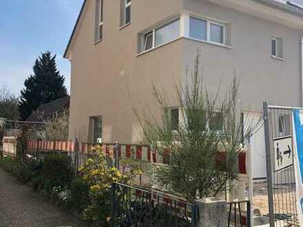 Erstbezug: attraktive 5-Zimmer-Doppelhaushälfte in Neureut, Karlsruhe