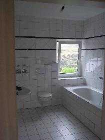 Günstige, gepflegte 4-Zimmer-Wohnung mit Balkon und EBK in Hess.-Oldendorf