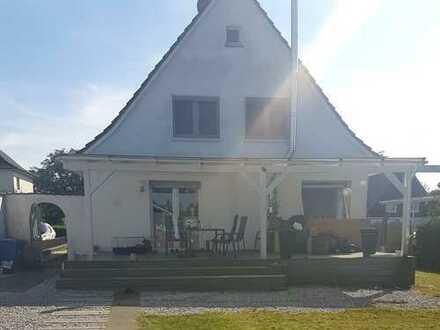 Einfamilienhaus ° großer Garten ° 2 Terrassen ° Gartenhaus ° Kaminofen ° Garage