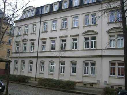 Gut geschnittene 2-Raum-Wohnung, 1.OG, 55 m², sanierter Altbau, Trachenberge, gute Verkehrsanbindung