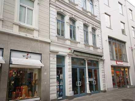 Wohn- und Geschäftshaus, Oldenburg, Fußgängerzone.