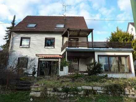 Einfamilienhaus mit großem Baugrundstück!