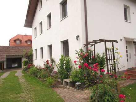 Schöne DHH in Huglfing (Kreis Weilheim-Schong.) mit Südterrasse, Garten, Balkon u. Doppelgarage