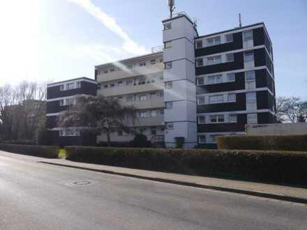 Renovierte 2-Zimmer-Wohnung mit Balkon in gepflegtem Haus