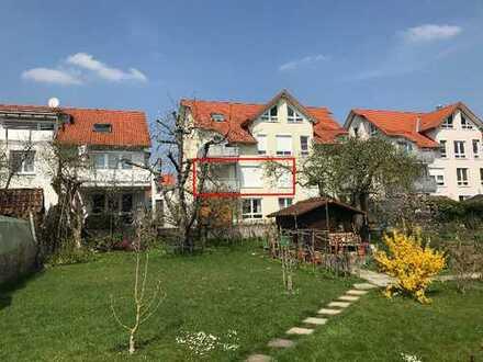 Sonnige 3,5-Zimmer-Wohnung mit Balkon und EBK in Hildrizhausen