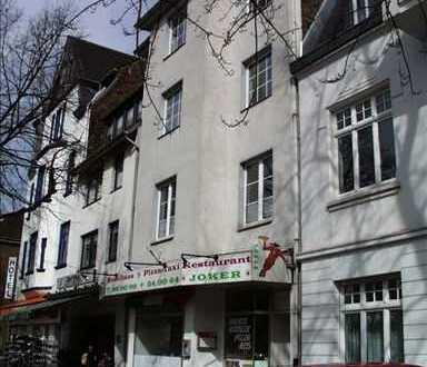 Preiswerte 2,5-Zimmer-Maisonette-Wohnung mit Balkon und EBK in Neuss