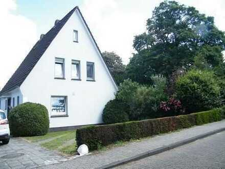 Tolles Einfamilienhaus mit ELW und großem Grundstück