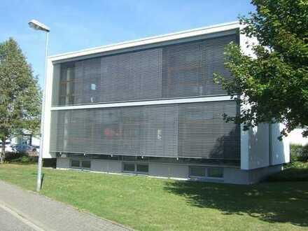 Klimatisiertes Bürogebäude für Dienstleistungen aller Art oder Praxisnutzung zum Kauf oder Miete