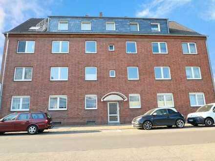 Erstklassiges Anlageobjekt in Krefeld - Grundsolides 11-Familienhaus mit 6 Garagen