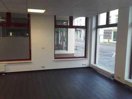 NEU Renoviert + Miete gesenkt - Ladengeschäft mitten in Genthin!!!