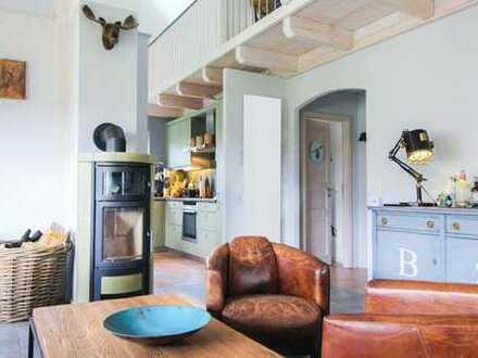 Ideal für Ihre Familie: Stilvolles Einfamilienhaus mit offener Galerie und Empore in Ostseenähe